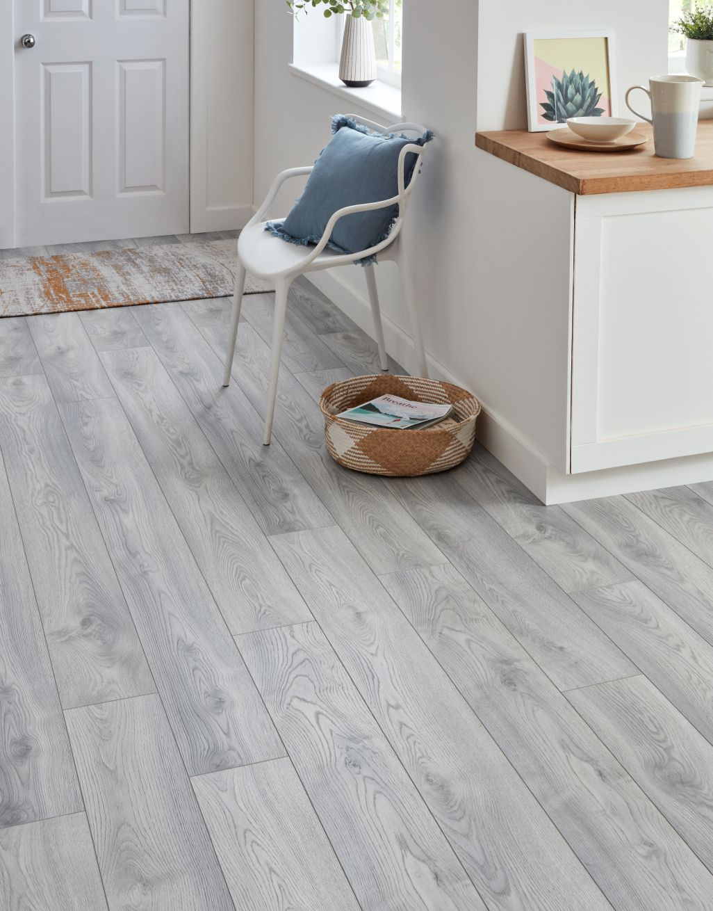 Macro Oak White Laminate Flooring, White And Grey Laminate Flooring