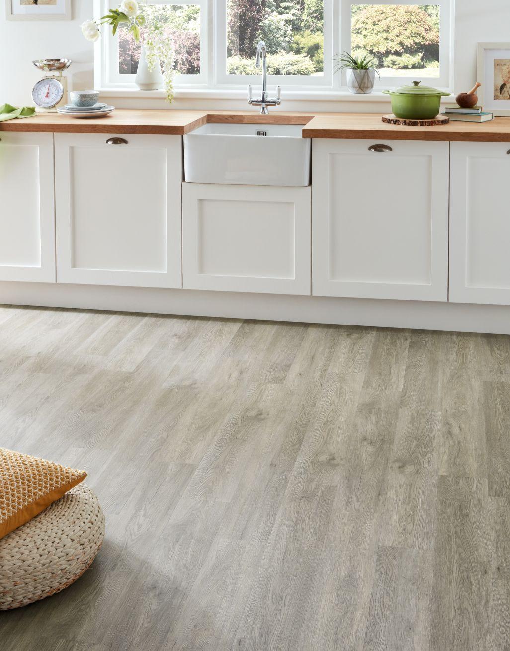 Trade Select   Light Grey Oak Click LVT Flooring