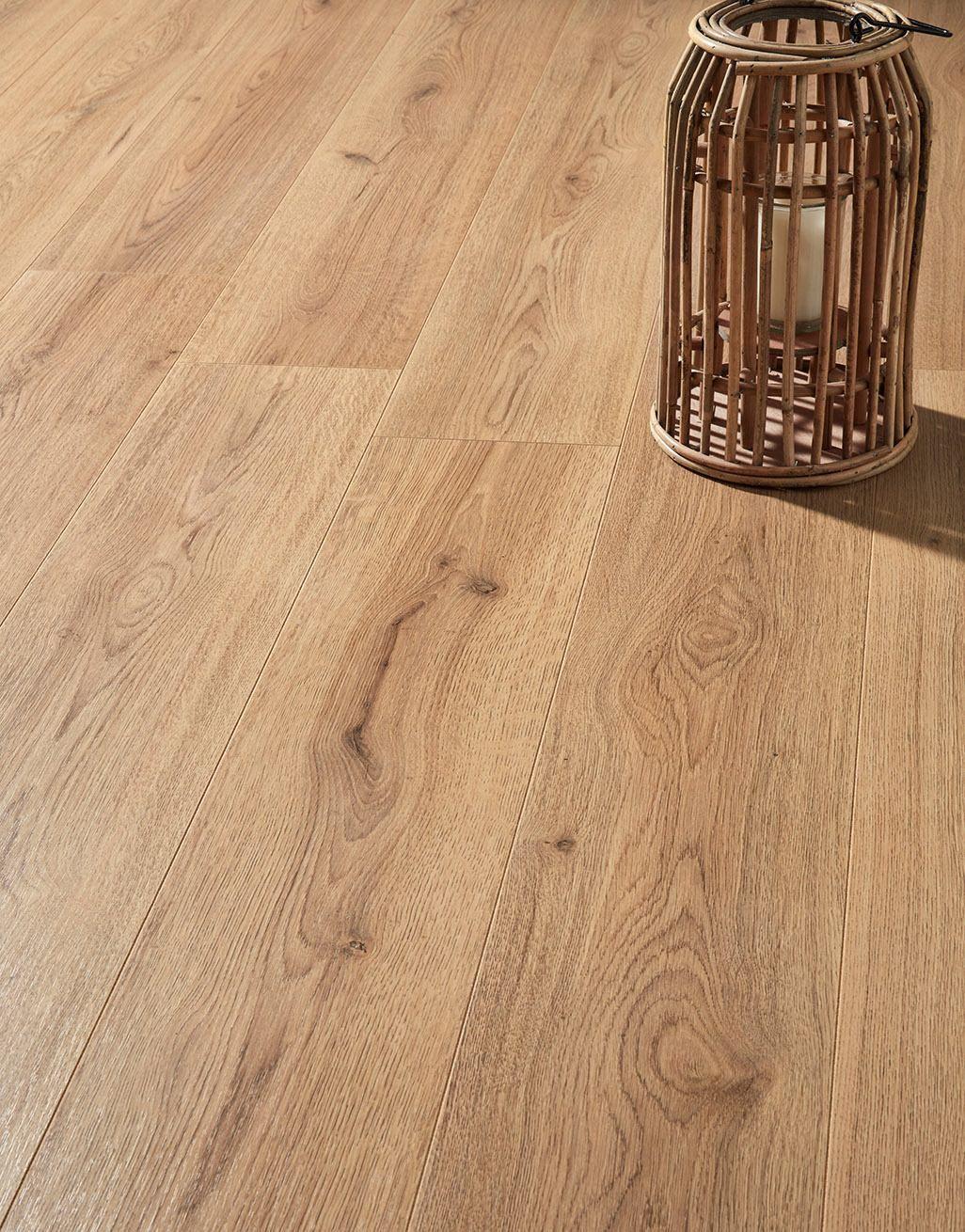Loft Natural Oak Laminate Flooring, Real Wood Effect Laminate Flooring