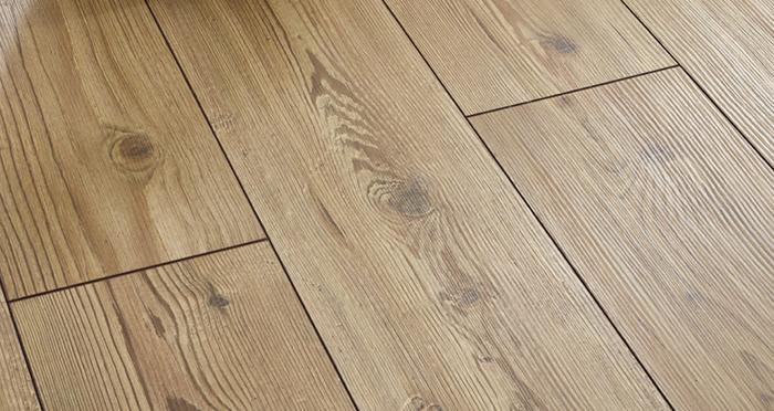 Verona - Golden Pine Laminate Flooring - Descriptive 2