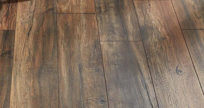 Villa - Harbour Oak Laminate Flooring - Descriptive 2