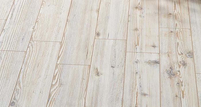 Residence Narrow - Siberian Spruce Laminate Flooring - Descriptive 2