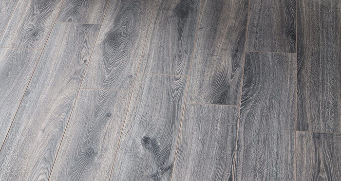 Residence Narrow - Prestige Grey Oak Laminate Flooring - Descriptive 2