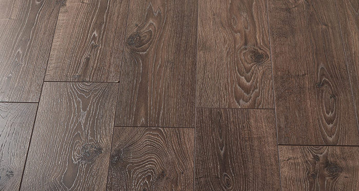 Villa - Peterson Oak Laminate Flooring - Descriptive 2