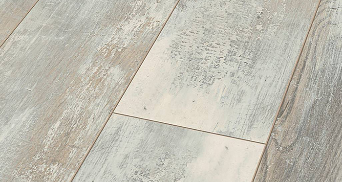 Manor - Hella Oak Laminate Flooring - Descriptive 2