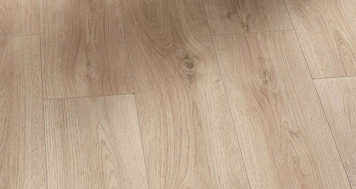 Loft - Natural Oak Laminate Flooring - Descriptive 2