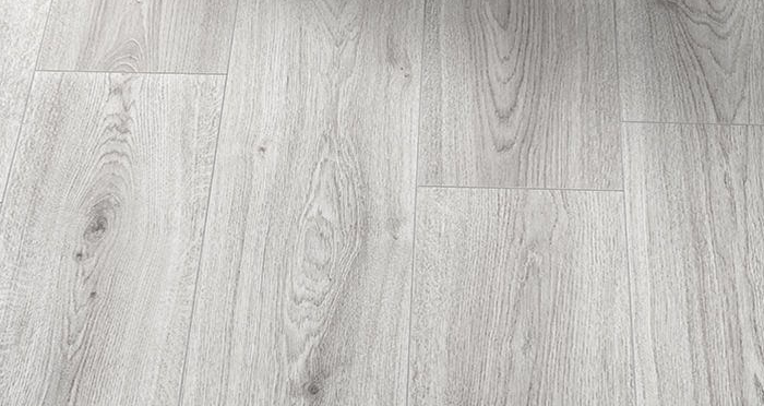Farmhouse - Light Grey Oak Laminate Flooring - Descriptive 2