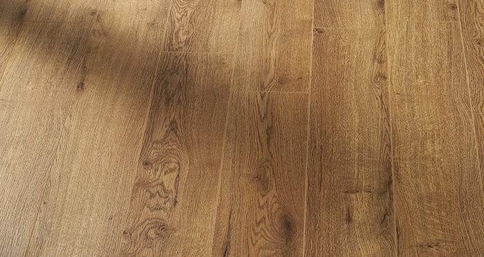 Residence Narrow - Barley Oak Laminate Flooring - Descriptive 2