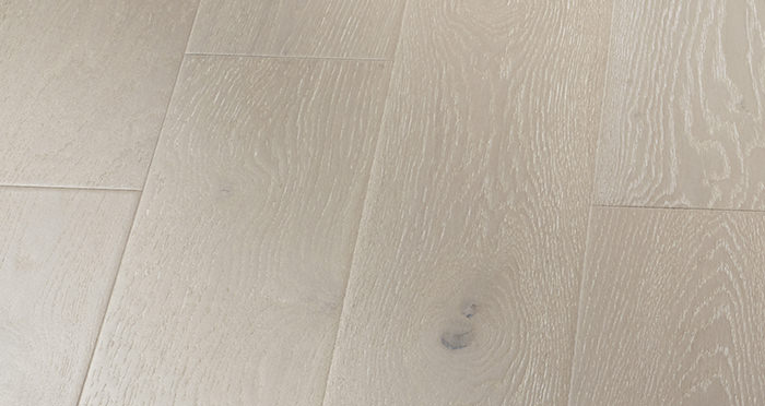 Mayfair Pearl River Oak Engineered Wood Flooring - Descriptive 3