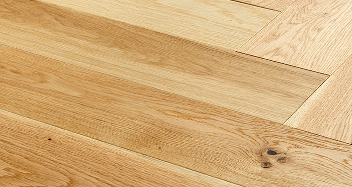 Marylebone Champagne Oak Brushed & Lacquered Engineered Wood Flooring - Descriptive 1