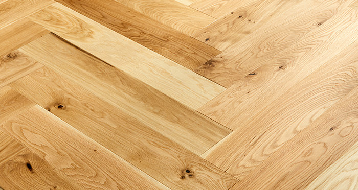 Marylebone Champagne Oak Brushed & Lacquered Engineered Wood Flooring - Descriptive 3