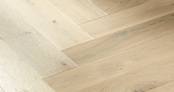 Marylebone Chantilly Lace Oak Lacquered Engineered Wood Flooring - Descriptive 2