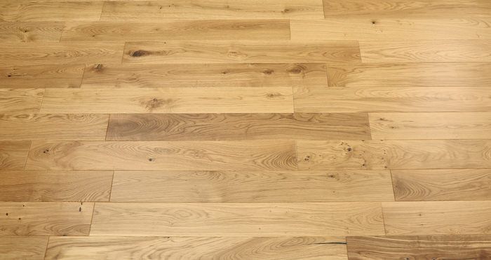 Kensington Oak Natural Lacquered Engineered Wood Flooring - Descriptive 3