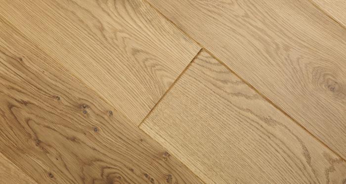 Knightsbridge Rustic Oak Lacquered Engineered Wood Flooring - Descriptive 4