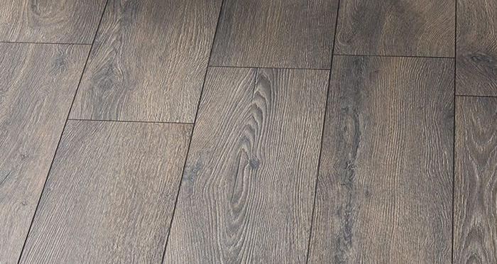 Mountain - Summit Oak Laminate Flooring - Descriptive 2