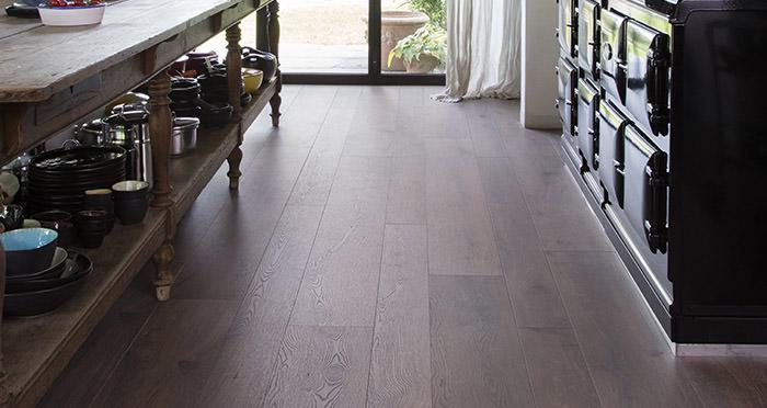 Barnwood Multi Width - Autumn Brown Oak Laminate Flooring - Descriptive 2