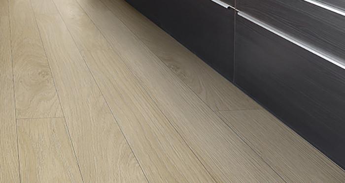 Barnwood Multi Width - Natural Harvest Oak Laminate Flooring - Descriptive 2