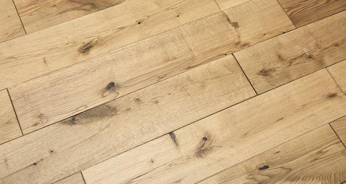 Rustic Heritage Oak Brushed & Oiled Solid Wood Flooring - Descriptive 2