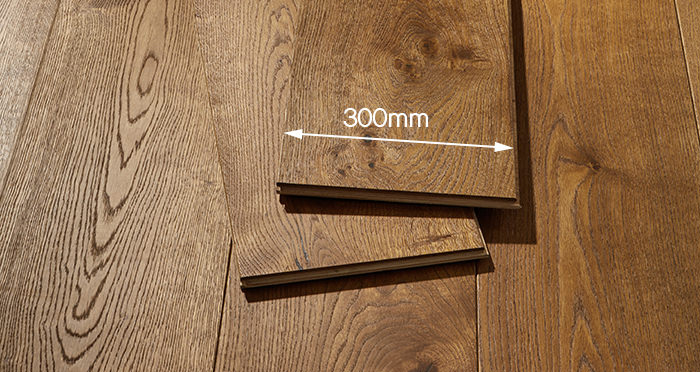 Mansion Golden Smoked Oak Brushed & Lacquered Engineered Wood Flooring - Descriptive 4