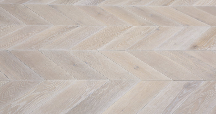 Whitewashed Oak Chevron Oak Solid Wood Flooring - Descriptive 4