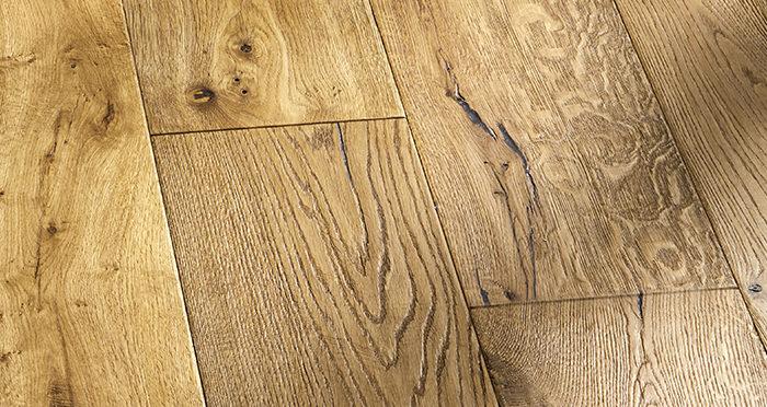 Kingswood Oak Distressed Brushed & Lacquered Engineered Wood Flooring - Descriptive 7
