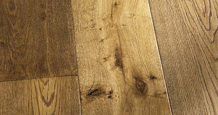 Kingswood Oak Distressed Brushed & Lacquered Engineered Wood Flooring - Descriptive 8