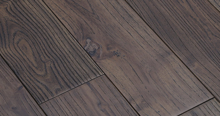 Aged Teak Lacquered Solid Wood Flooring - Descriptive 4