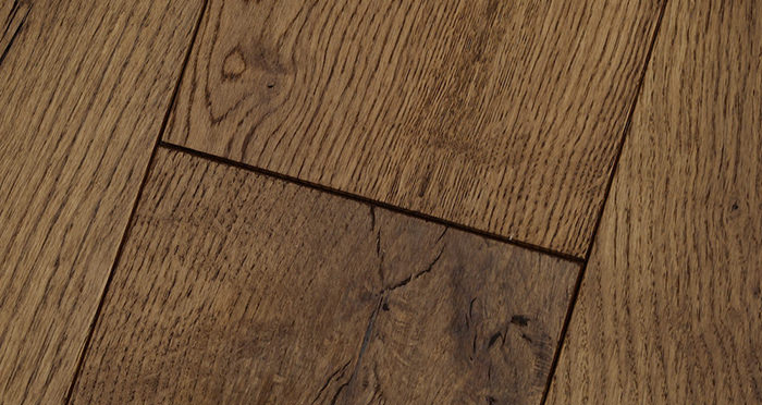 Luxury Cinnamon Oak Solid Wood Flooring - Descriptive 4