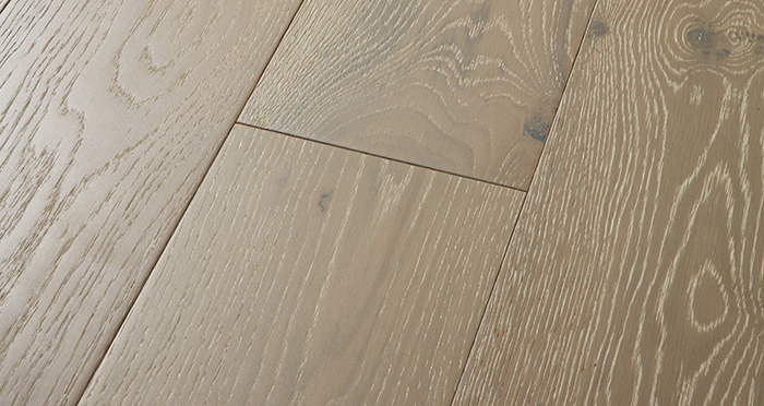 Manhattan Pearl Grey Oak Brushed & Lacquered Engineered Wood Flooring - Descriptive 1