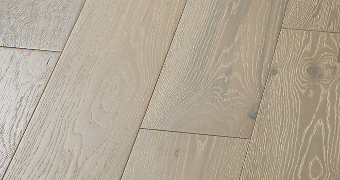 Manhattan Pearl Grey Oak Brushed & Lacquered Engineered Wood Flooring - Descriptive 5