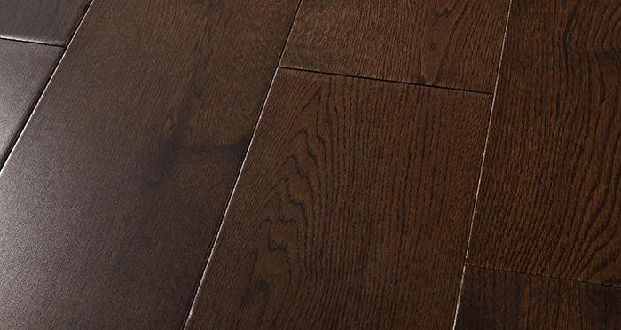 Manhattan Chocolate Oak Super Matt Lacquered Engineered Wood Flooring - Descriptive 1