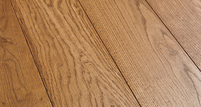 Deluxe Cinnamon Oak Solid Wood Flooring - Descriptive 1