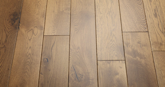 Farmhouse Golden Oak Lacquered Engineered Wood Flooring New - Descriptive 6
