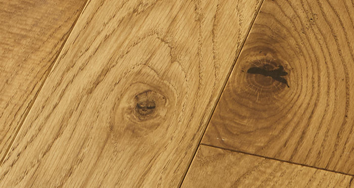 Elegant Golden Oak Brushed & Oiled Solid Wood Flooring - Descriptive 2