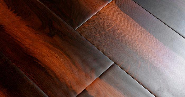 Handscraped Colonial Oak Lacquered Engineered Wood Flooring - Descriptive 2