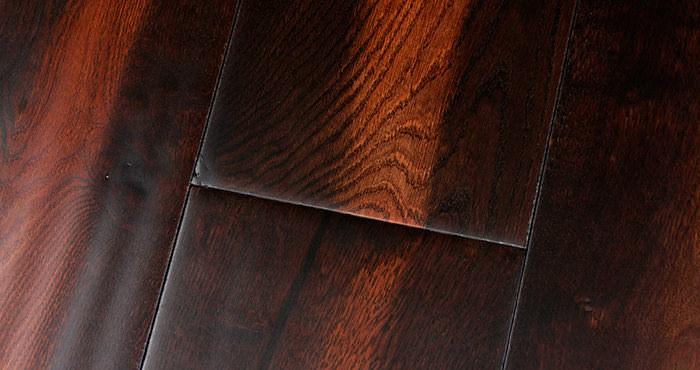 Handscraped Colonial Oak Lacquered Engineered Wood Flooring - Descriptive 4