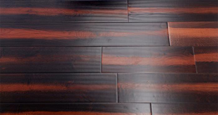 Handscraped Colonial Oak Lacquered Engineered Wood Flooring - Descriptive 6