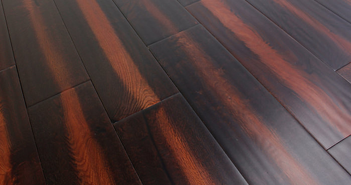 Handscraped Colonial Oak Lacquered Engineered Wood Flooring - Descriptive 7