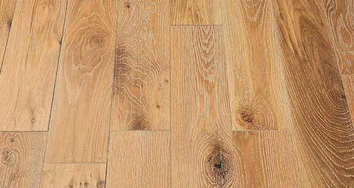 Whitewashed Cinnamon Oak Solid Wood Flooring - Descriptive 2