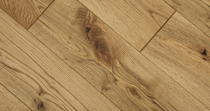 Whitewashed Cinnamon Oak Solid Wood Flooring - Descriptive 3