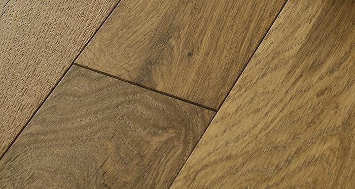 Loft Golden Smoked Oak Brushed & Lacquered Engineered Wood Flooring - Descriptive 1