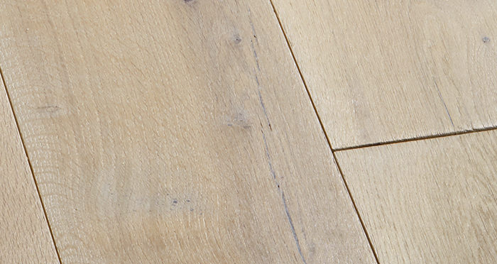 Prestige Frosted Oak Solid Wood Flooring - Descriptive 4
