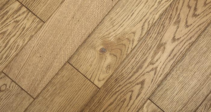 Aged & Rustic Golden Oak Brushed & Oiled Solid Wood Flooring - Descriptive 3