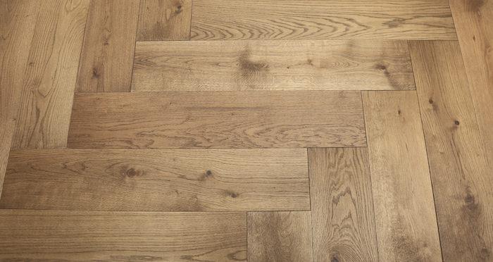 Prestige Herringbone Chocolate Oak Oiled Engineered Wood Flooring - Descriptive 6