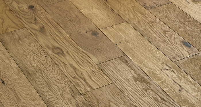 Loft Natural Oak Brushed & Oiled Engineered Wood Flooring - Descriptive 2