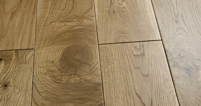 Penthouse Natural Oak Lacquered Engineered Wood Flooring - Descriptive 1