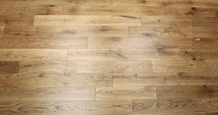 Natural Oak 90mm Lacquered Solid Wood Flooring - Descriptive 4