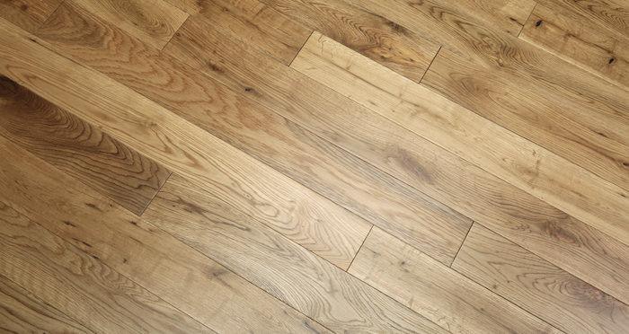 Natural Oak 90mm Lacquered Solid Wood Flooring - Descriptive 5