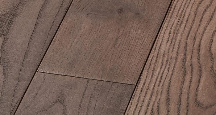 Deluxe Chocolate Oak Solid Wood Flooring - Descriptive 4