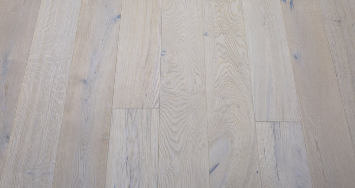 Porcelain Oak Lacquered Engineered Wood Flooring - Descriptive 3